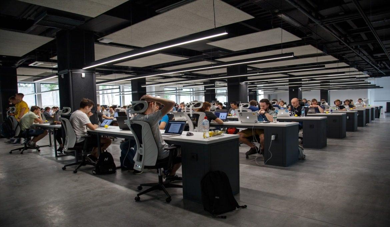 Tech startups layoffs-BuyShares.co.uk