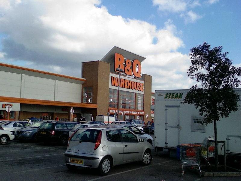 b&q store - kingfisher storefront