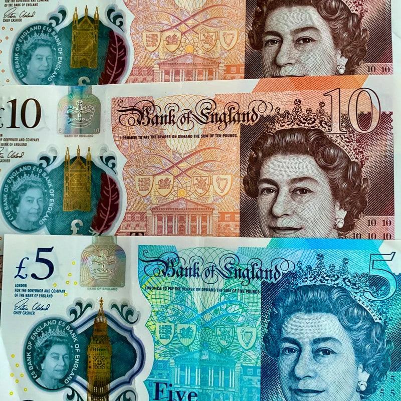 pound banknotes